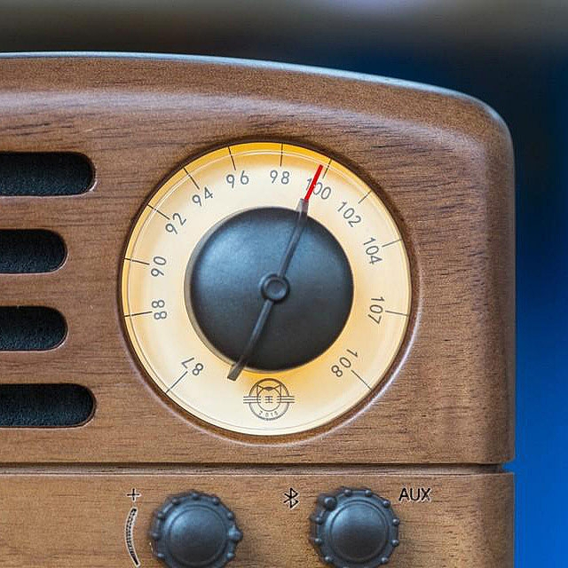 Retro Walnut Mini Wooden FM Radio Bluetooth Speaker