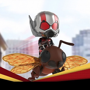 Hot Toys Ant-Man and Wasp - Ant-Man on Flying Ant Cosbaby (S) Bobble-Head Collectible Set