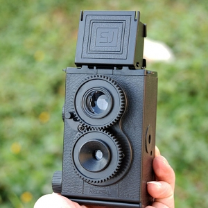 DIY Twin Lens Reflex Camera Set