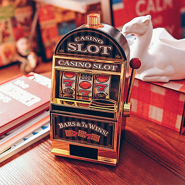 Lucky Jackpot Money Box